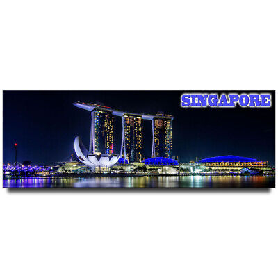 Fridge magnet with panoramic view of Marina Bay Sands, Singapore