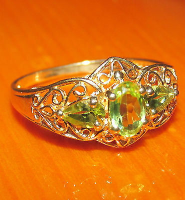 BEAUTIFUL SECONDHAND 9ct YELLOW GOLD GREEN PERIDOT & BAND RING SIZE Q