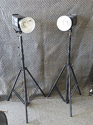 Two Sp Studio System Lights Excalibur 6400 W/ Traveling Case And Stands