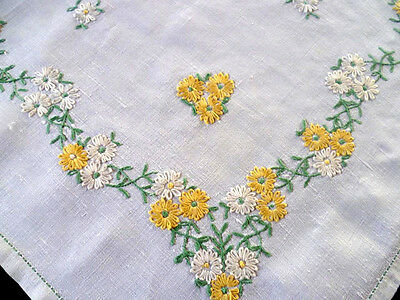 Daisy Daisies & more Daisies ~ Vintage Hand Embroidered Tablecloth