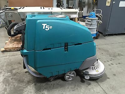 Tennant T5E Floor Sweeper/Scrubber (44.3 hrs)