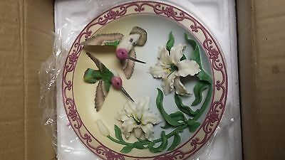 """Maruri Anna's with Lily 3d Hummingbird Plate - Treasures of the Sky - 8"""""""