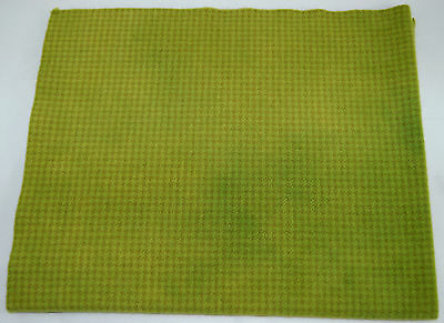 """HAND DYED RUG HOOKING WOOL Over-Dyed ~ """"POISON APPLE GREEN (B)"""""""