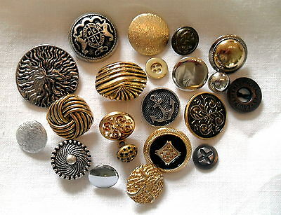 25 X Used Mixed Buttons Metallic Silver Gold Tones Metal Plastic Craft Sewing Au