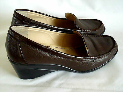 DOCKERS Women Comfort Brown Leather Shoes LOAFERS Style Wedges Work Size 9M