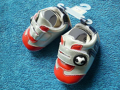 Baby clothes BOY 12-18m quality red football 1st walk trainers/shoe BRAND NEW!