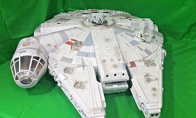Star Wars Millennium Falcon Legacy Collection Vehicle Playset 2008 Hasbro