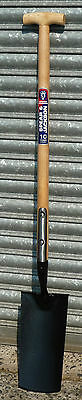 Spear & Jackson Irish Spade Neverbend strapped T-Handle (1072AY)