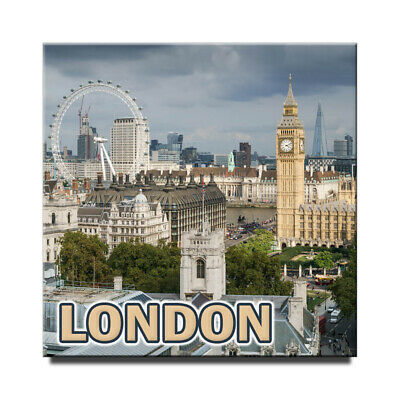 Fridge magnet with view of  London