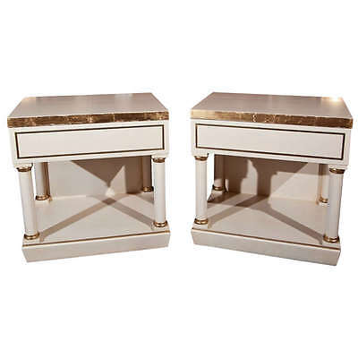 Pair of White Painted End Tables / Nightstands 102-7290