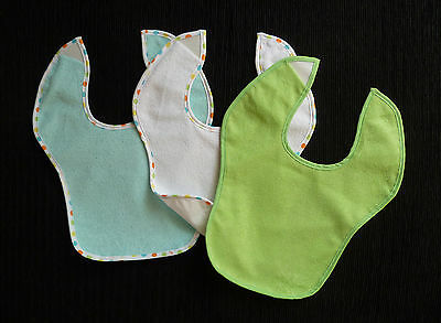 Baby clothes UNISEX BOY GIRL 0-3, 3-6 3 towelling, plastic back feeding bibs NEW
