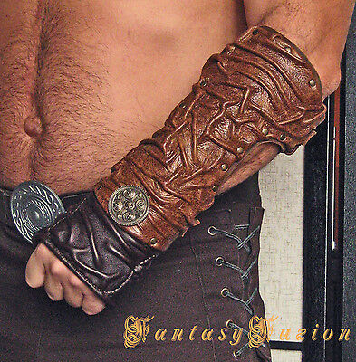 Medieval Gladiator Spartacus Forearm Warrior Armor Leather Bracer with Concho