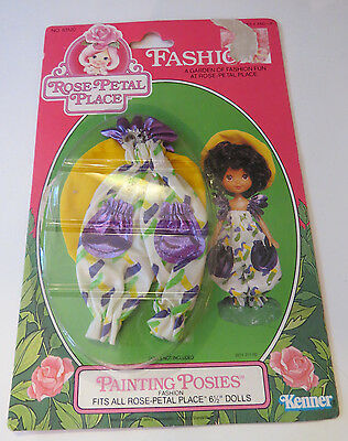 Rose Petal Place Painting Posies Outfit MOC