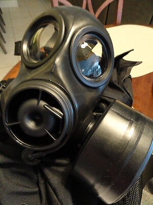 Avon CT12 & FM12 Respirator with case and canteen