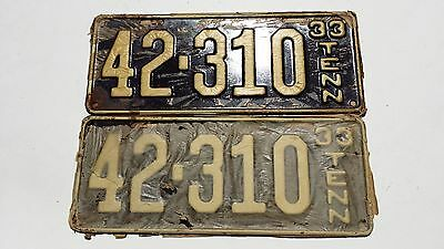 Matching Pair 1933 42-310 Tennessee Automobile License Plates & Mailer   #536