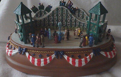 Liberty Falls Music Box ROLLER COASTER WESTERN CHRISTMAS SNOW VILLAGE AH999