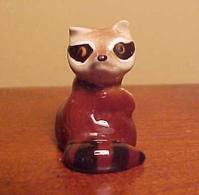 RETIRED Hagen-Renaker Mini #163 RACCOON MAMA (Second Version) - Ceramic Figurine