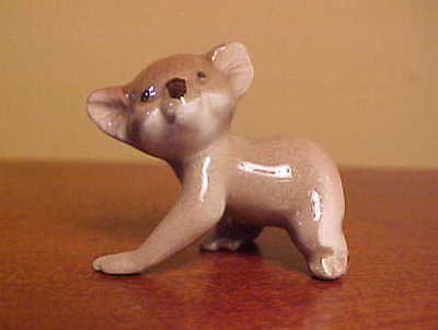 RETIRED Hagen-Renaker Mini #950 MAMA KOALA - Miniature Ceramic Bear Figurine