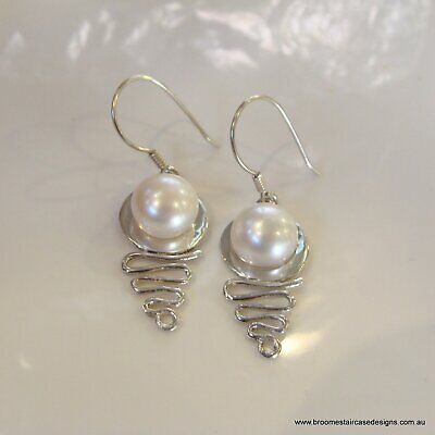 Staircase Pearl Earrings (white s/s)