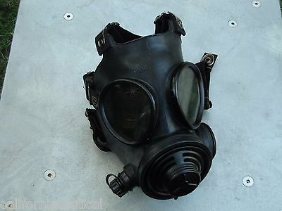 Military 40mm NATO Gas Mask w/Drink Port & Protective Hood, Size Med/Regular NEW