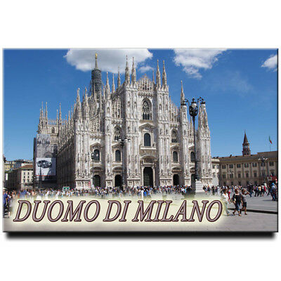Fridge magnet with view of Milan Cathedral Duomo, Italy