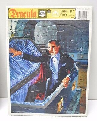 Universal Monsters DRACULA Frame Puzzle Golden 1991 Complete Great Shape!