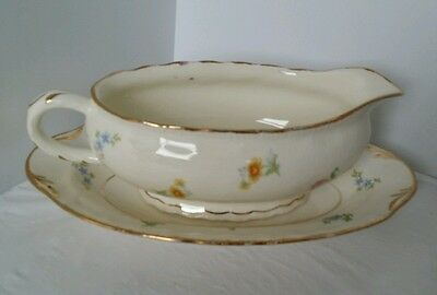 Pope Gosser gravy boat with platter pinafore usa made
