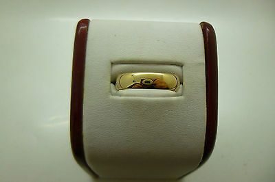 9ct Yellow Gold 5 mm Wedding Band Size S