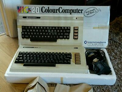 Commodore VIC-20 Computer ~ Boxed and VGC