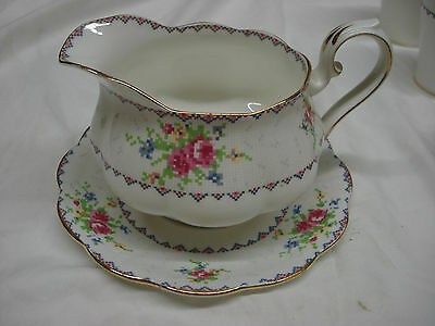 Royal Albert PETIT POINT SMALL GRAVY SAUCE BOAT with UNDERPLATE England PP