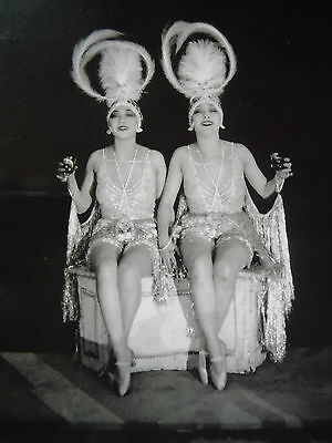 Postcard / The Dolly Sisters / James Abbe / 1923