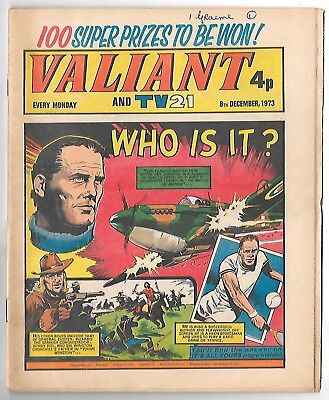 Valiant 25th Oct 1975 (very high grade) Adam Eterno, Kid Pharoah, Janus Stark