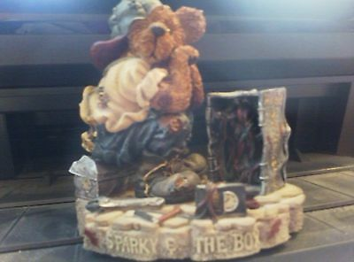 Boyds Bears Bearstone Collection Sparky And The Box Figurine Rare 7E/1417 Rare