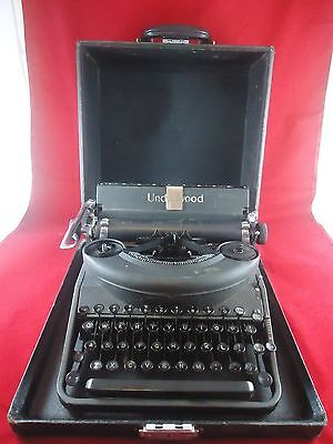 Antique Vintage Portable Underwood 77 Noiseless Typewriter With Hard Case