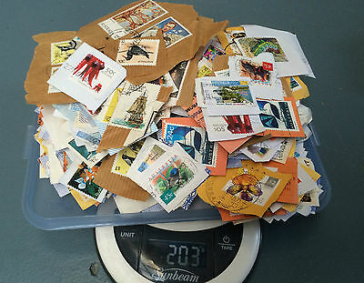 Australia 200g Mixed Kiloware about 1000 Stamps on Paper