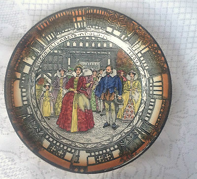 "Royal Doulton 'Queen Elizabeth at Old Moreton 1589"" Collector Plate (62)"
