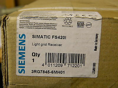 Siemens 3RG7845-6MH01 Receiver Safety Light Curtain 300mm30mm-Dia 0.8-18m