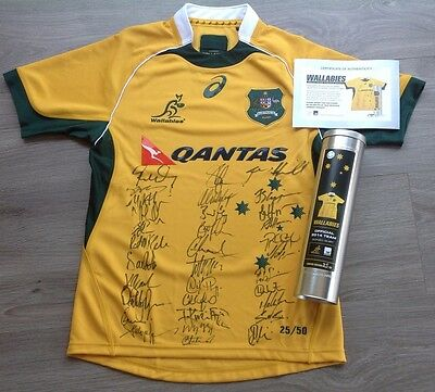 2014 Qantas Wallabies Rugby Team Signed  Jersey Shirt Collectors Edition Tin