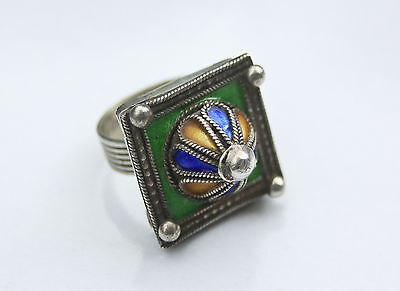 Vintage / Antqiue Berber north african tribal solid silver enamel ring rare.