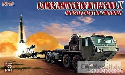 MODELCOLLECT UA72077 M983 US HEMTT + Pershing II Missile Erector Launcher 1:72