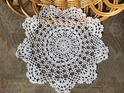 Elegant White Flower Hand Crochet Lace Doily/Table Mat Round 29cm