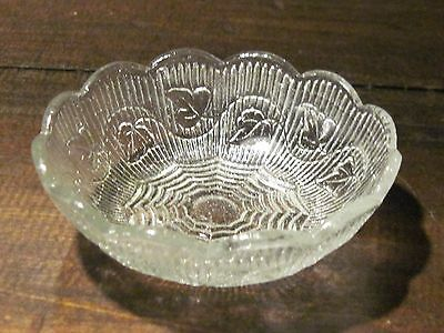 Ribbed Ivy Early American Pattern Glass flint sauce bowl