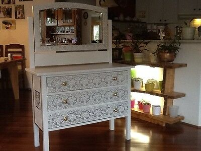 Vintage Dresser With Mirror Is Really Lovely