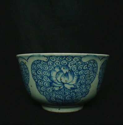 Chinese Blue and white porcelain Lotus fiowers Bowl