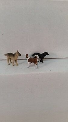 Arttista S Scale Figure 766 - Three Dogs - Animals - Model Trains New