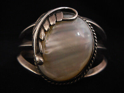 MOTHER of PEARL with Feather silver Navajo VINTAGE Bracelet Native American OLD