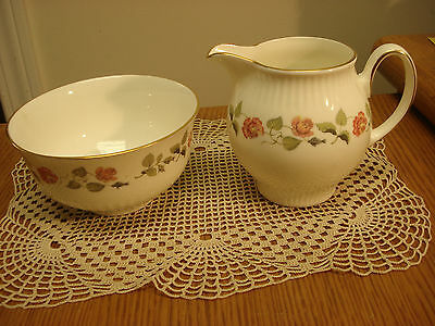 "WEDGWOOD INDIA ROSE Large 4"" CREAM & 4-1/2"" SUGAR BOWL England TR3 creamer"