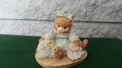 "Calico Kittens Figurine ""friendship Is Sewn Stitch By Stitch"" Enesco 1992"