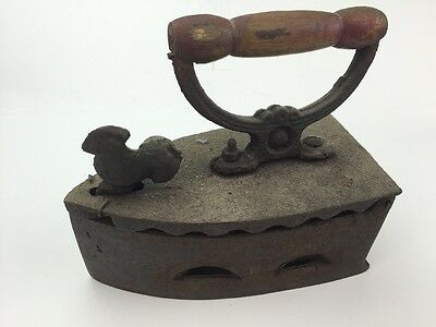 Antique/Vintage Cast Iron Sad coal Fired Press Iron with Rooster Latch