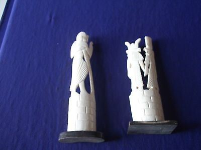 2 ancient egyptian sculpture statue of king and queen pharaohs